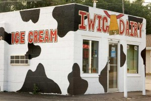 Iwig Dairy Store StateGiftsUSA.com/made-in-kansas